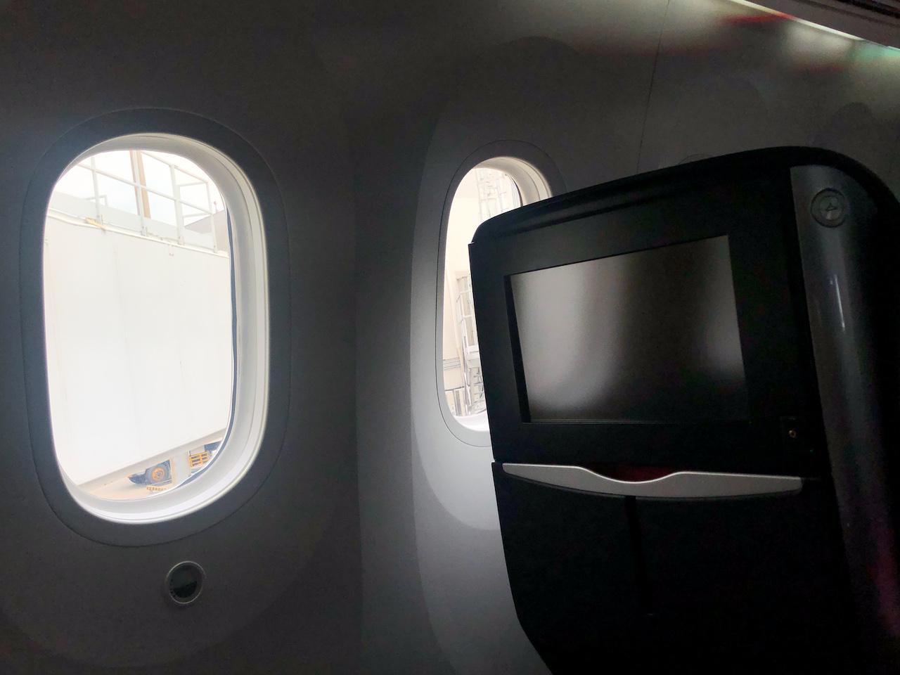 JAL飛行機機内8