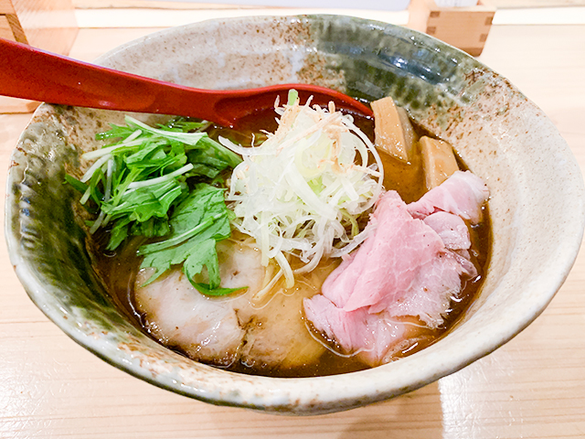 焼きあご塩らー麺(税込820円)