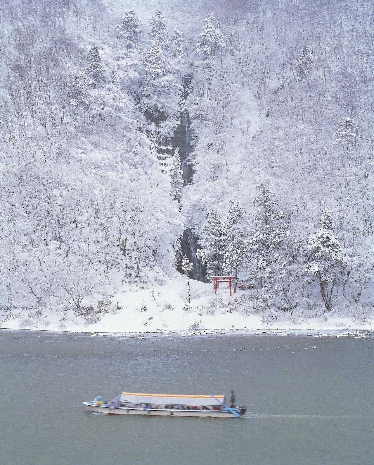 最上川雪見舟1