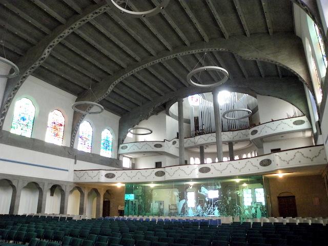 パウルス教会内部