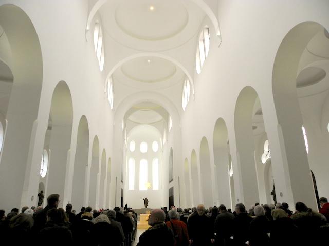モーリッツ教会内部1