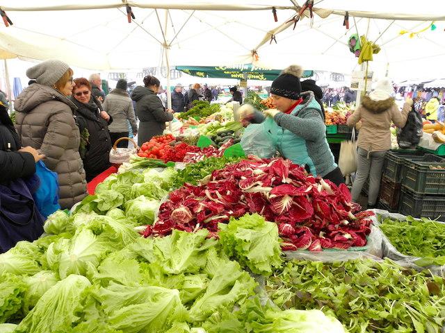 中央市場の野菜