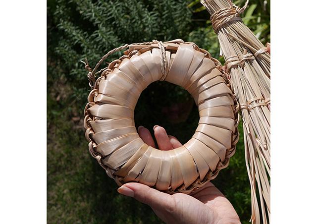 アートホテル石垣島「ART BOOK×島の手仕事」島の草木で民具作り体験