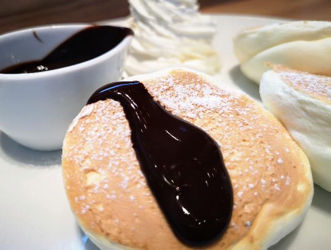 麴町珈琲新木場店 チョコ&ホイップパンケーキ