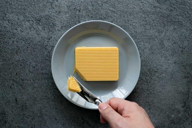 焼いていないのに香ばしい。食べるバター「カノーブル」の安納芋バターケーキ誕生