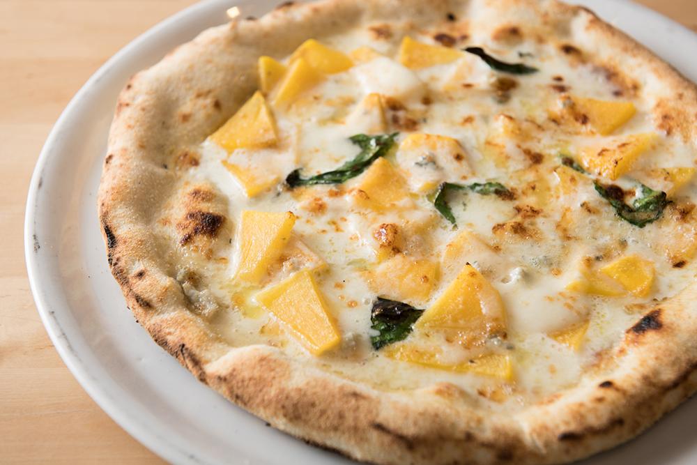 身知らず柿とゴルゴンゾーラチーズ