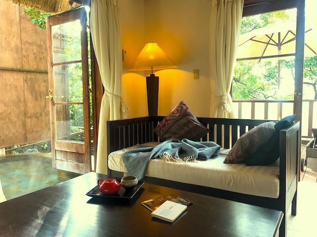 リゾートホテル コルテラルゴ伊豆高原 リビングルーム 温泉露天風呂