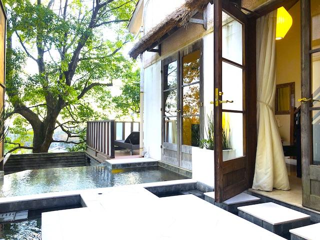 リゾートホテル コルテラルゴ伊豆高原 バリスイート 温泉露天風呂