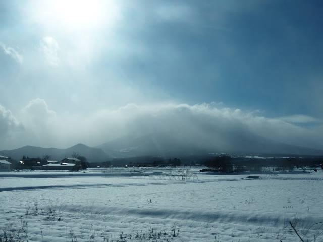 車窓の岩手山