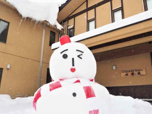 玄関の雪だるま