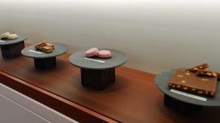 豊島屋洋菓子舗置石店内洋菓子