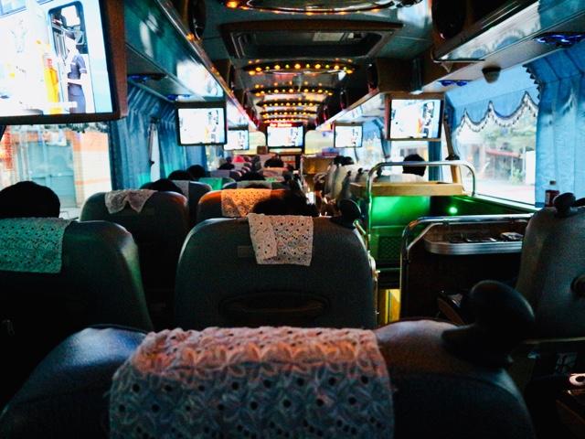 リムジンバスで宜蘭・礁溪温泉へ