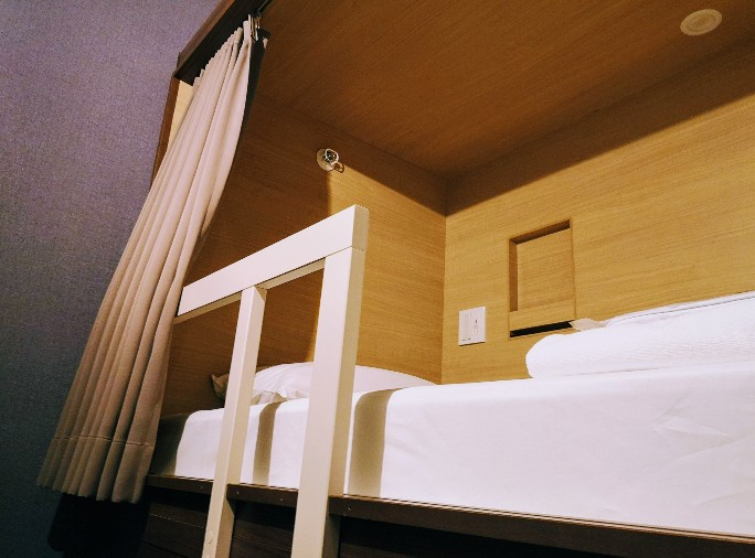 HOTEL THE GATE KUMAMOTO 館内シングル個室上段ベッド
