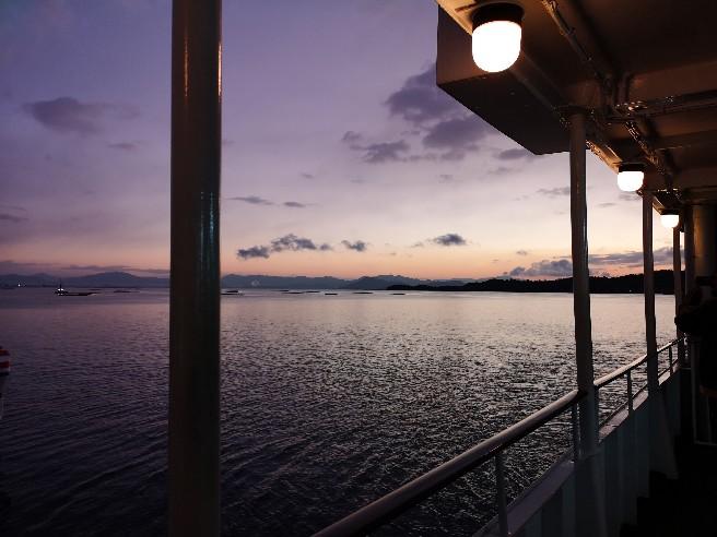 宮島へ向かう船からの眺め