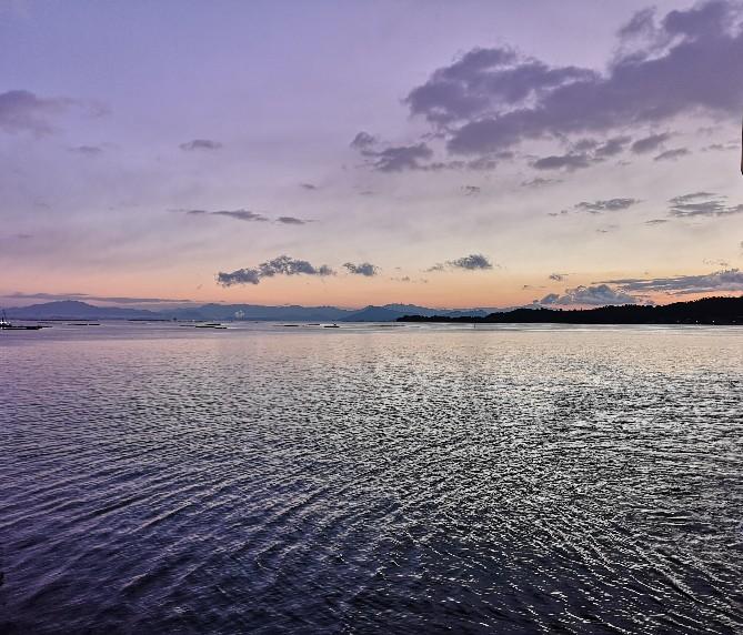 宮島へ向かう朝の船からの眺め