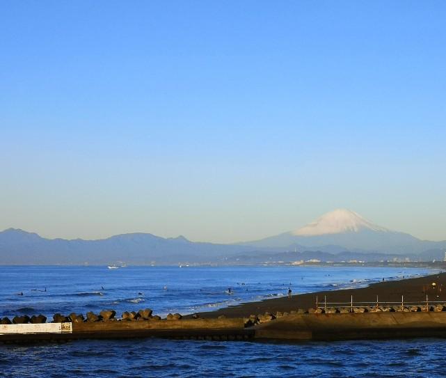 神奈川県立湘南海岸公園からの富士山