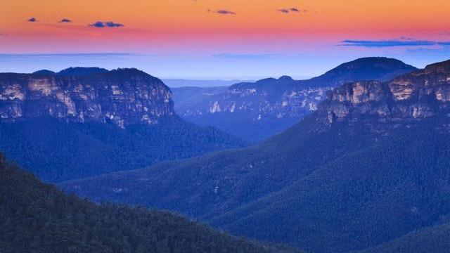 青い霧に包まれる絶景。100万ヘクタールの世界遺産「ブルーマウンテンズ」