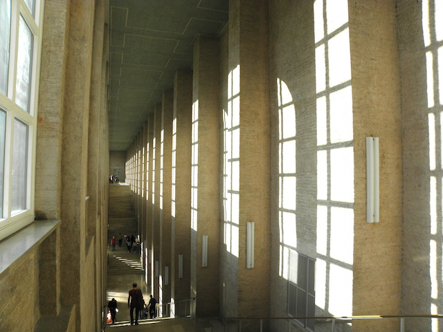 アルテピナコテーク 大階段