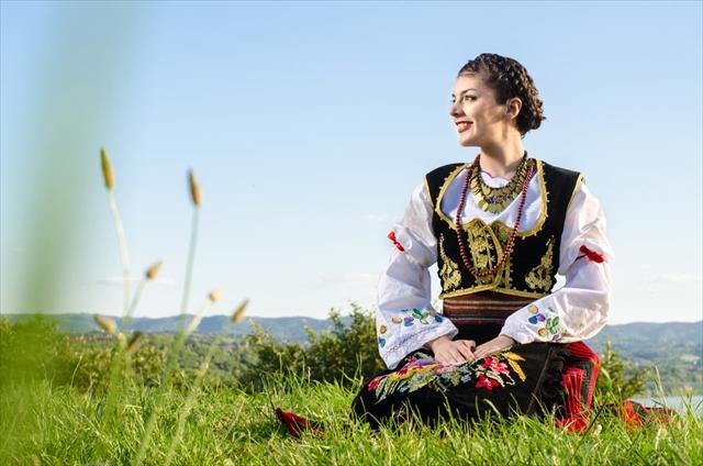 手作りの温もりを感じる 素朴であったかいセルビア土産