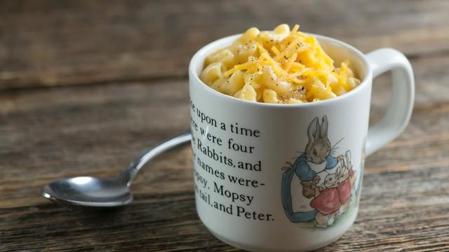 【レンジで6分!】マグカップで完成、ほっこり幸せマカロニチーズ