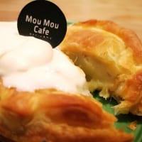 MouMou Cafeイオンモール岡山店「濃厚生クリームとスウィートポテトパイ」断面