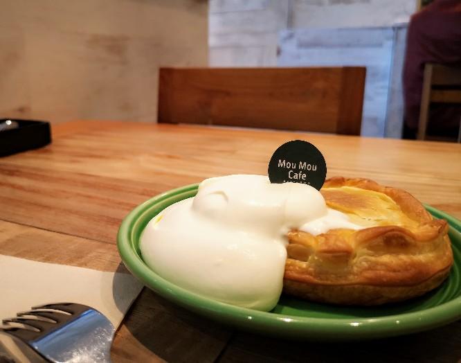 MouMou Cafeイオンモール岡山店「濃厚生クリームとスウィートポテトパイ」
