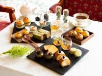 紅茶、抹茶、ハーブティーなど様々なお茶を使用したアフタヌーンティー