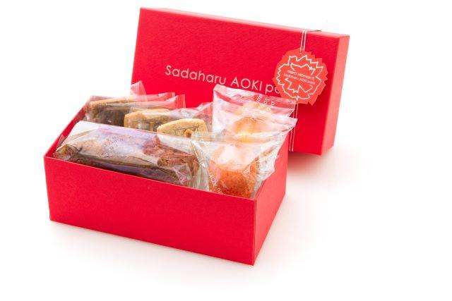 サダハルアオキ焼菓子2