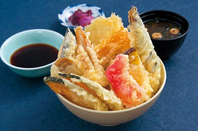 静岡県・御前崎道の駅に「天ぷらのせ放題天丼」が名物のレストランオープン!