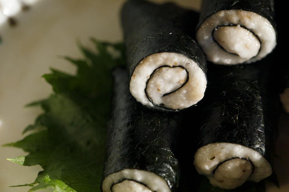 欅苑 自然薯の海苔巻