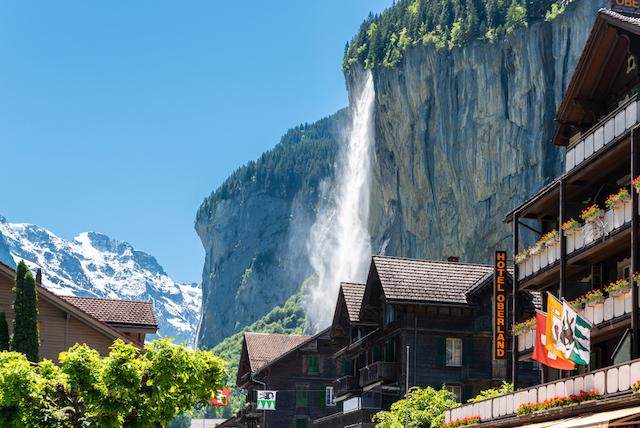 スイス・ラウターブルンネン・シュタウプバッハ滝