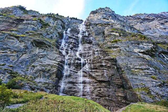 スイス・ラウターブルンネン・ミューレンバッハ滝