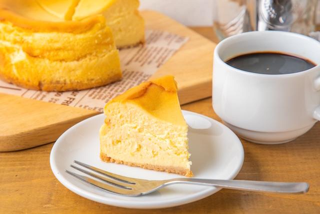 しっとりレア仕立てのベイクドチーズケーキ
