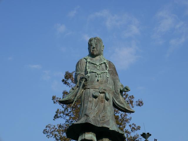 金沢・兼六園の日本武尊像
