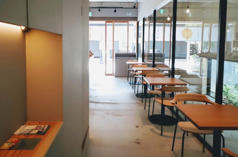 焼き芋専門店維新蔵ならまち店 店内