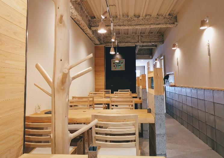 奈良オモテナシ食堂 店内