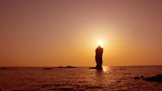 ローソク島 写真提供:隠岐の島町役場