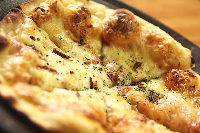 民宿ふらっと:こんかピザ  能登の魚醤油(うおしょうゆ)