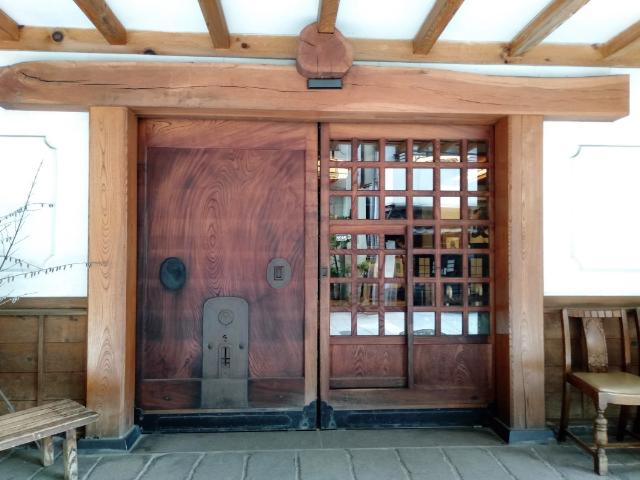 金具屋玄関