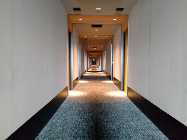 変なホテル関西空港廊下