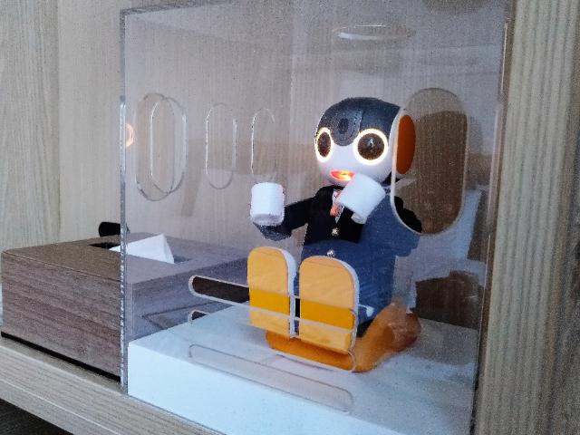 変なホテル関西空港ロボホン