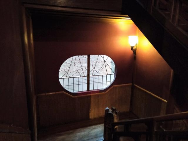 金具屋飾り窓