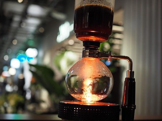 サイフォンコーヒーの光