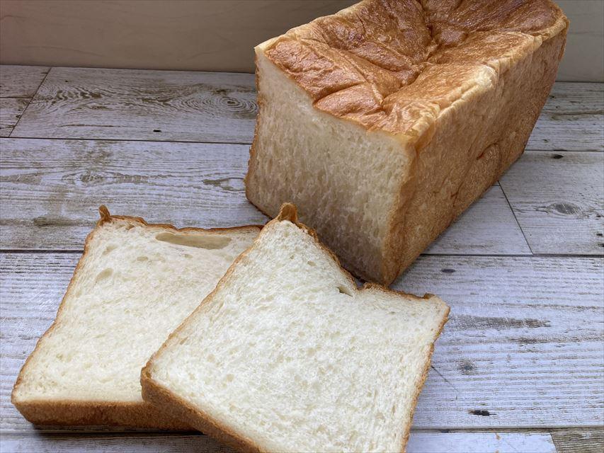 しあわせの食パン