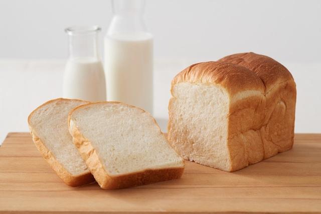 日本初の牛乳食パン専門店「牛乳食パン専門店 みるく」が青山にオープン!