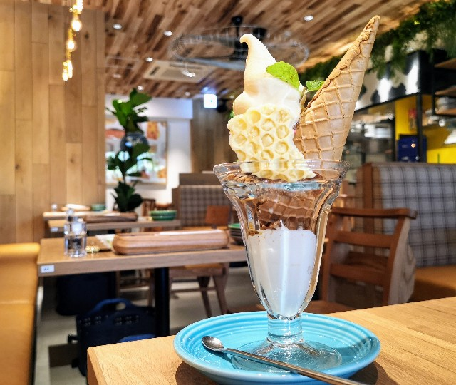 goodspoon Cheese Sweets & Cheese Brunch 上野店 生チーズソフトクリームパフェ