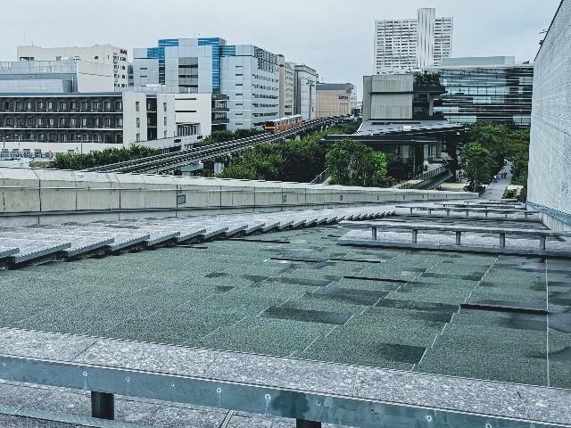 東京さんぽ・立川 グリーンスプリングスの立川ガーデンステージ屋上からの眺め