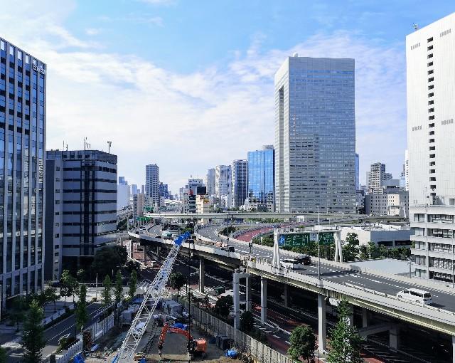 東京都・東京ポートシティー竹芝の竹芝新八景からの首都高速道路の眺め
