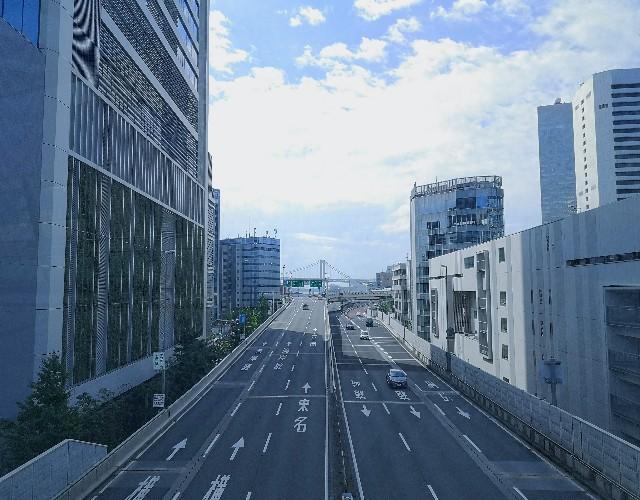 東京都・東京ポートシティー竹芝から浜松町への歩行者デッキ