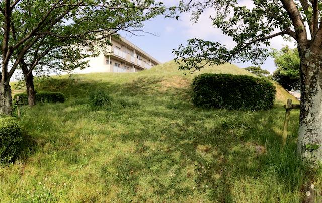 日本列島ゆるゆる古墳ハント(8)団地の中にある「梅林古墳」に住みたい!【福岡県福岡市】